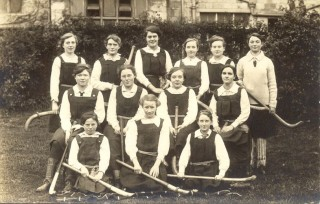 Girls hockey team c.1915