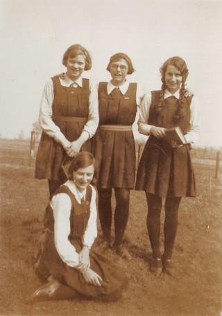 Campden Schoolgirls c.1930. Jean Organ, left