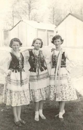 Polish and English friends in costume, l-r: Janet Lock, Ursula Swabiak, Stella Kay.