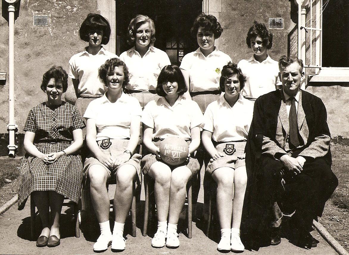 girls-netball-1953-54